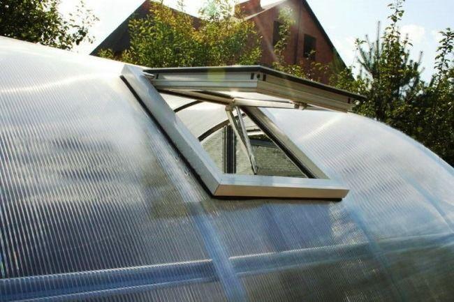 Система вентиляции в теплице