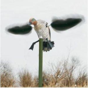 Макет утки с вращающимися крыльями в работе